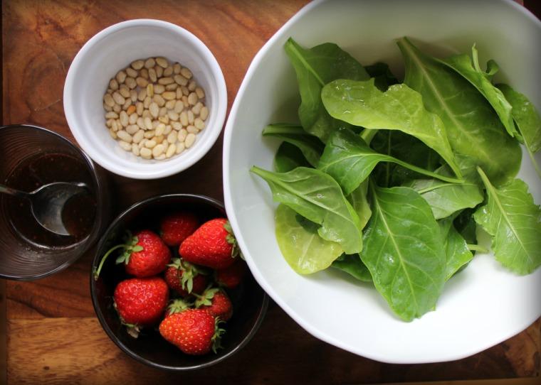 spinach&strawberryingreds