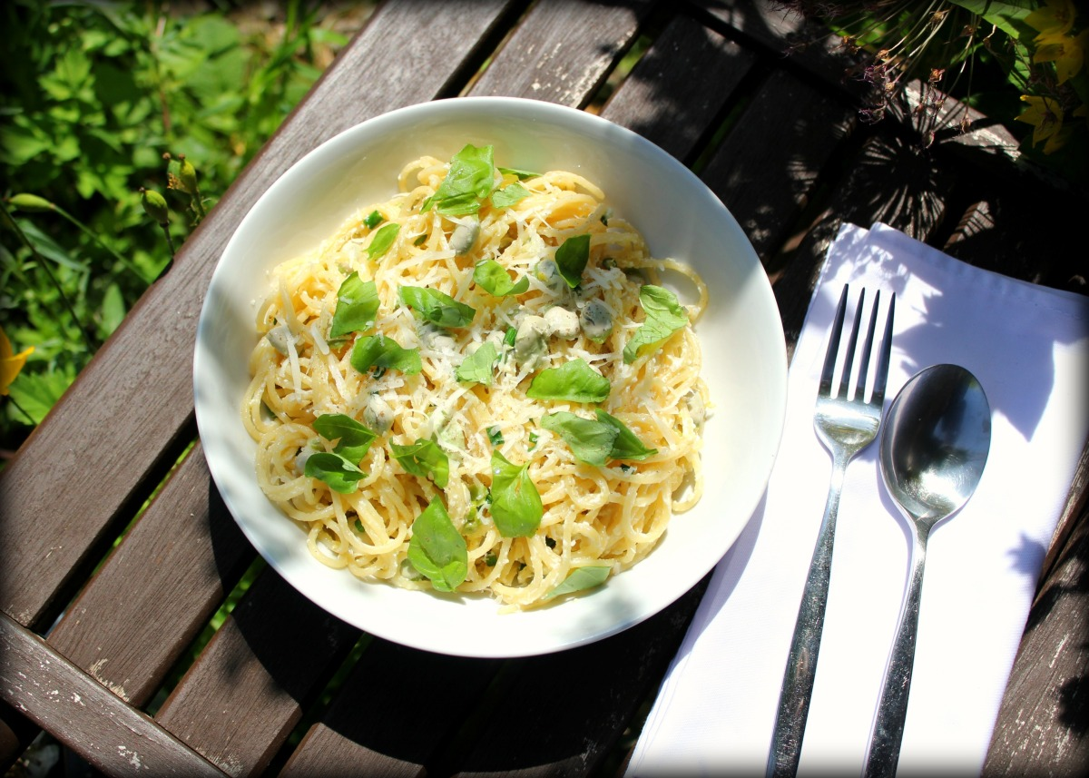 Spaghetti with Broad Beans and Garlic Scapes